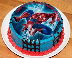 red-velvet-spiderman-cake