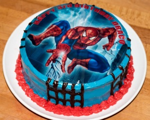 red-velvet-spiderman-cake
