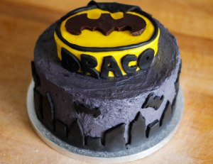 batman-birthday-cake