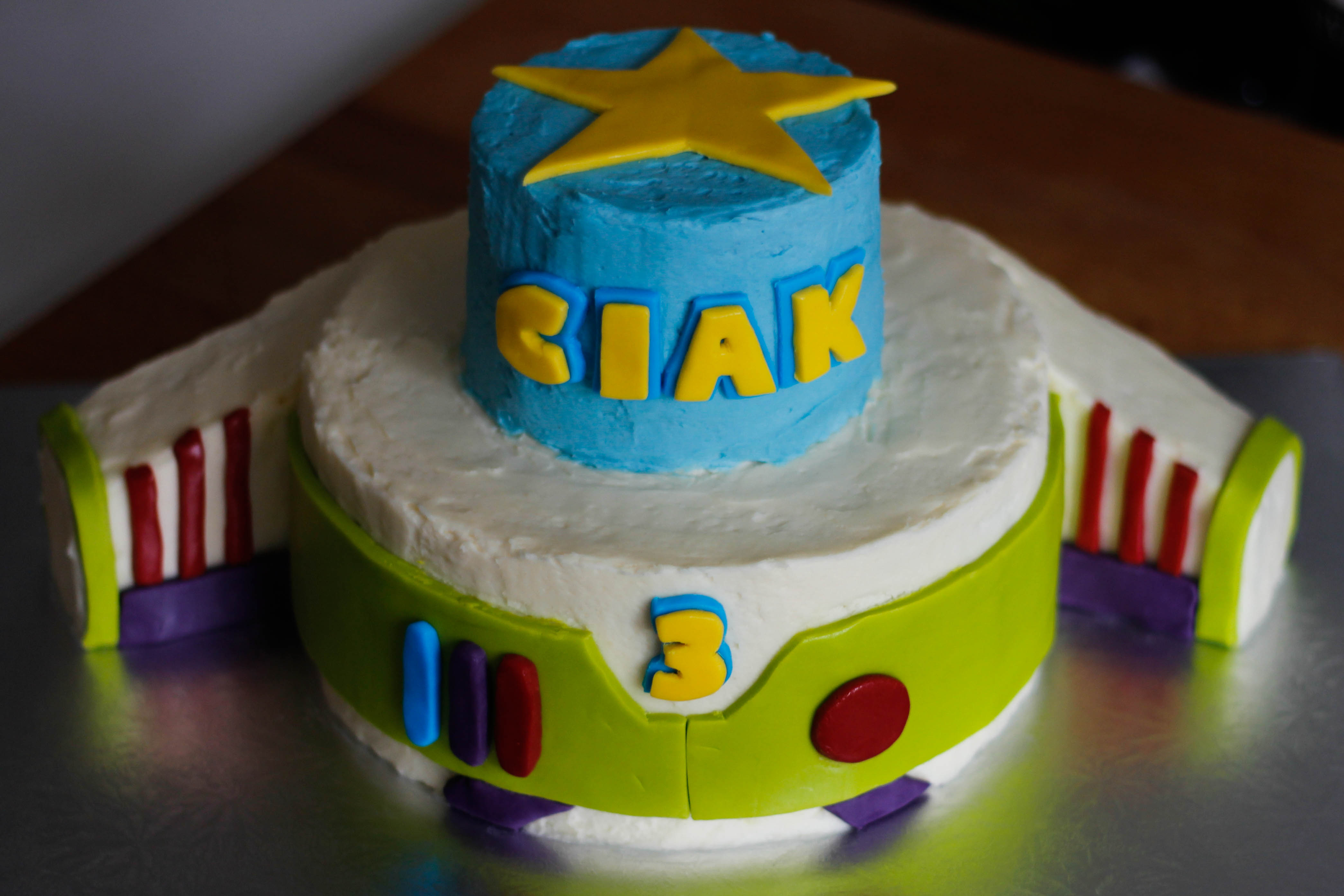 Sensational Kids Cakes Batman Buzz Lightyear Brianas Kitchen Funny Birthday Cards Online Inifofree Goldxyz