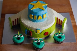 buzz-lightyear-birthday-cake