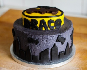batman-birthday-cake